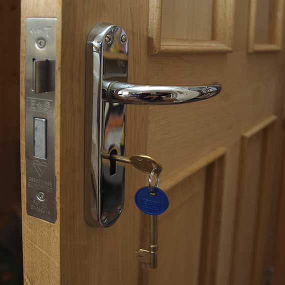 Home entrance door types of exterior doors for Door lock types